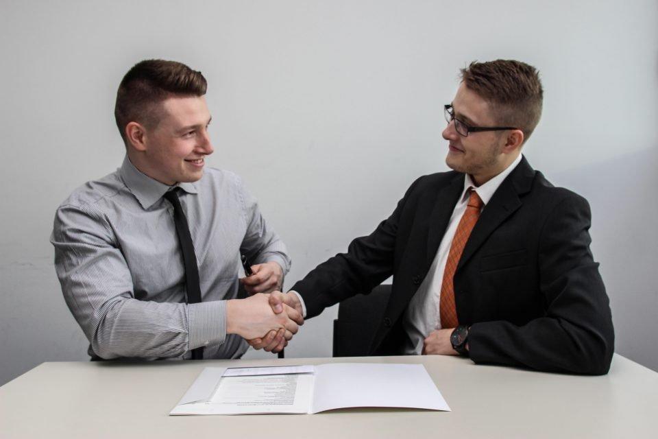 logiciel gestion contrats